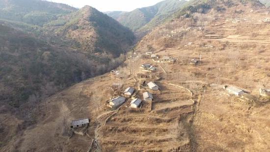 航拍达布村。