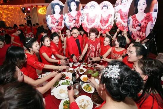 """莎蔓莉莎山东总部事业群隆重举行""""2018员工答谢晚宴"""""""