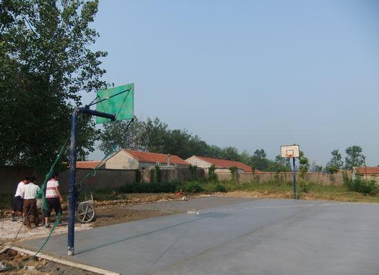 定远县东兴学校新建小学生篮球场